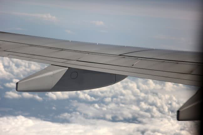 Airplane wing - free stock photo