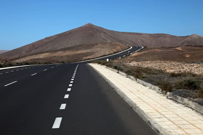 Empty road in Lanzarote - free stock photo