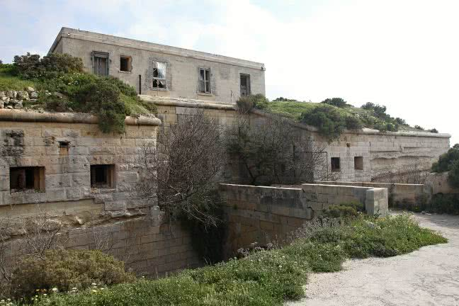 Malta rural buildings - free stock photo
