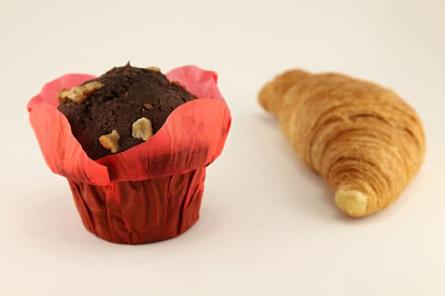 Muffin and croissant - free stock photo